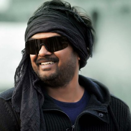 Puri Jagannadh poring water on Mahesh Babu and Allu Arjun's dream projects?