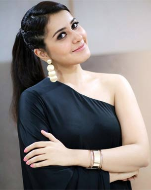Raashi Khanna in SS Rajamouli's multi-starrer with Ram Charan and Jr NTR?