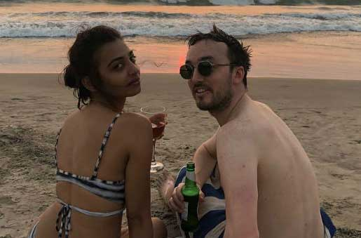 Don't Expect Radhika Apte 'To wear Sari on the Beach'