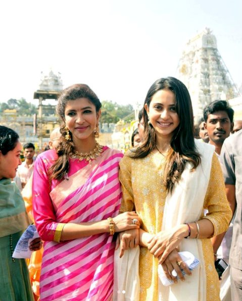 Rakul Preet Singh visits Lord Venkateswara along with Manchu Family