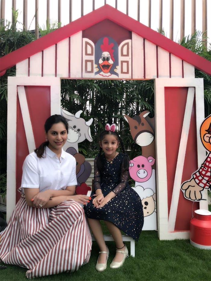 Ram Charan's wife Upasana with Mahesh Babu's daughter Sitara
