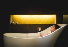 Is Ileana D'Cruz pregnant? Husband Andrew Kneebone shares bathtub pic