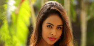 Sri Reddy Serious on Apoorva over Pawan Kalyan