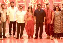 Megastar Chiranjeevi visits the sets of Allu Arjun's Naa Peru Surya
