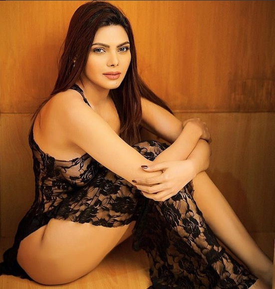 Sheer Beauty! Kamasutra girl leaves NOTHING to the imagination