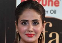 Parul Yadav files police compliant against cab driver