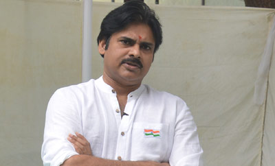 Pawan Kalyan to unfurl World's largest tricolor in Hyderabad