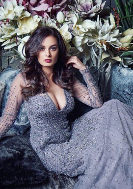 Saaho actress flaunts her eye-popping cleavage