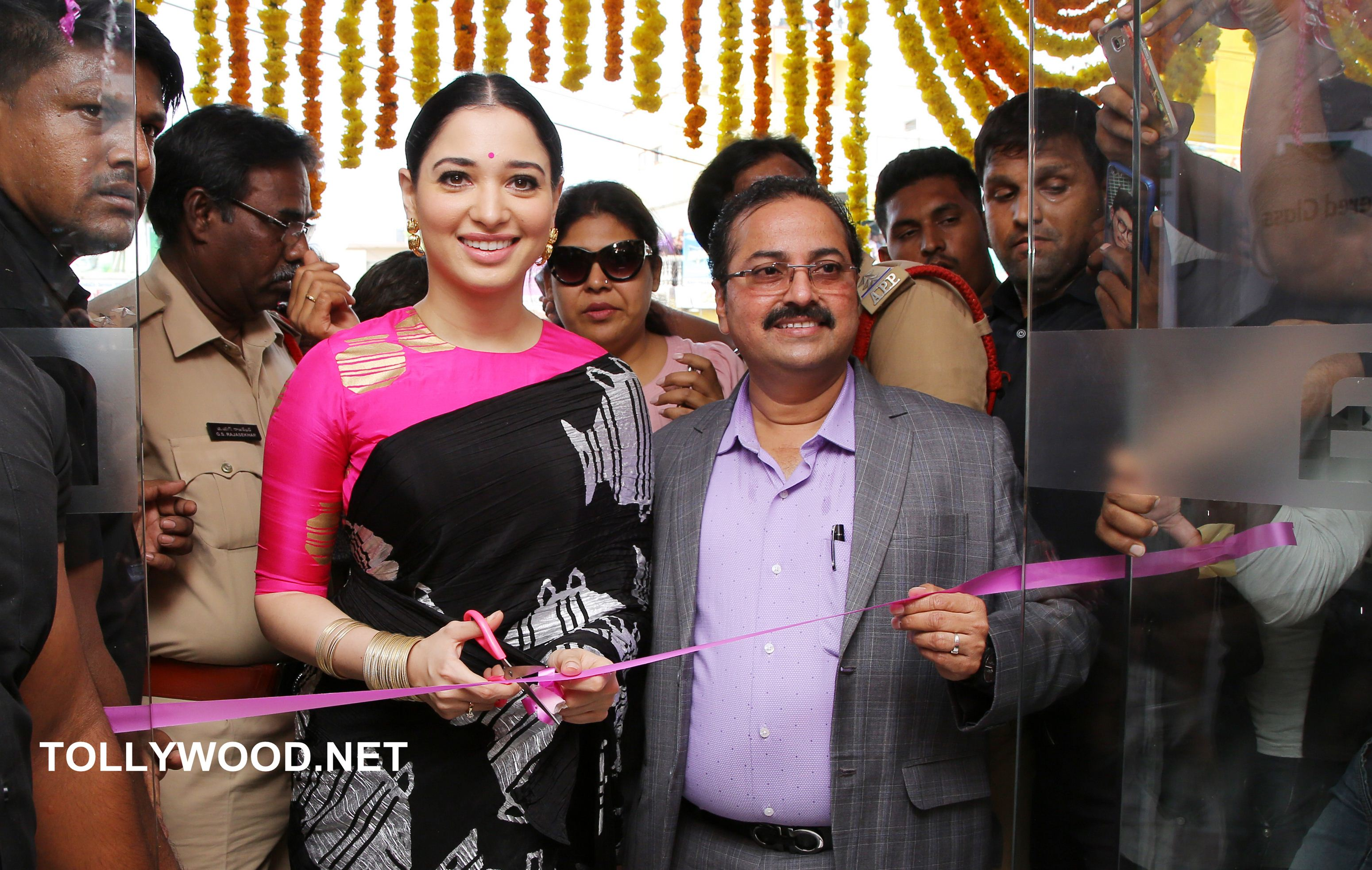 Tamanna Launch B New Mobile Store at Proddatur Photos