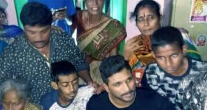 Allu Arjun fulfills the wish of his fan Sai Deva Ganesh suffering from Bone Cancer