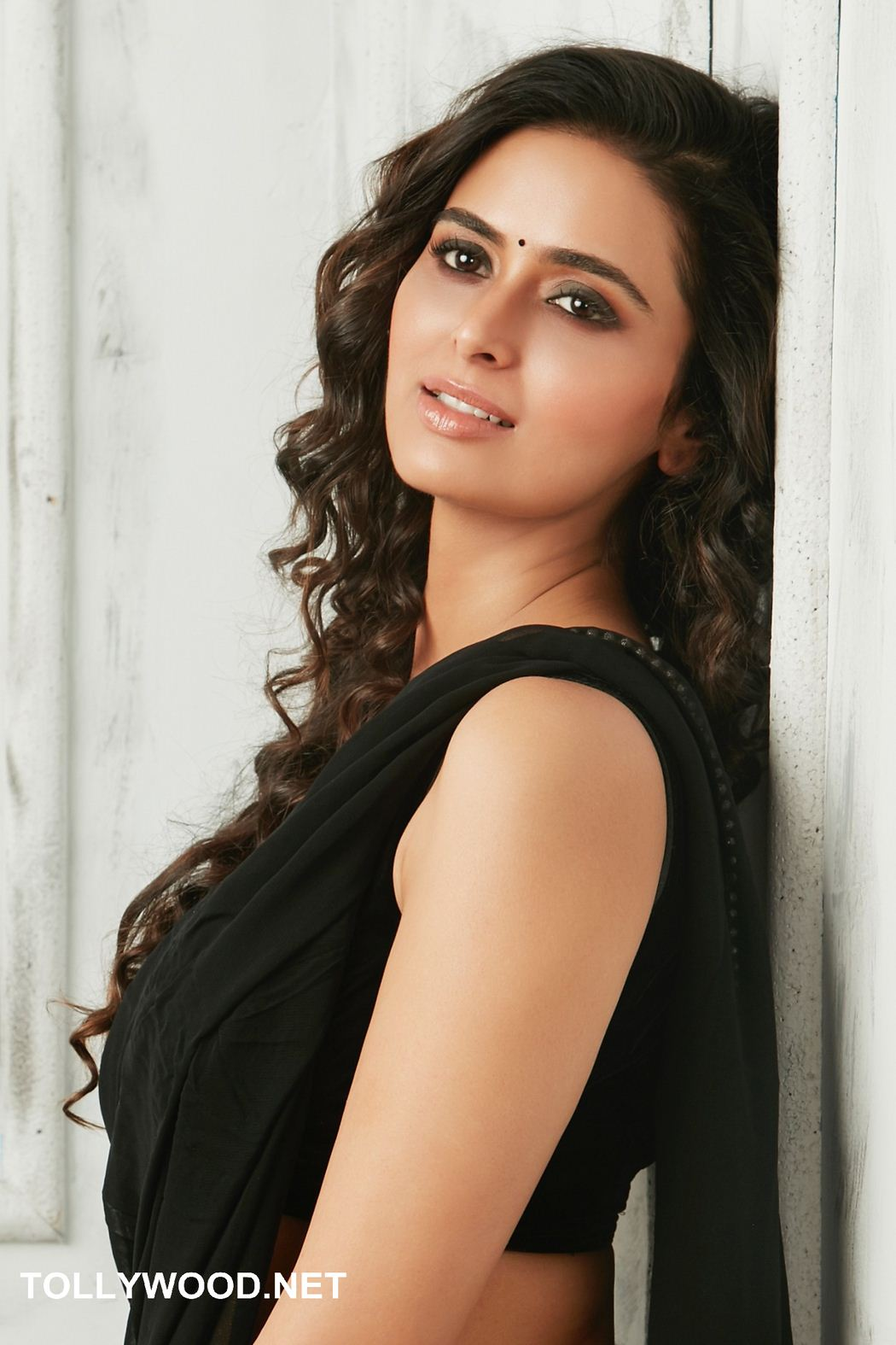 Meenakshi Dixit naked (77 photos), Ass, Is a cute, Boobs, cleavage 2019