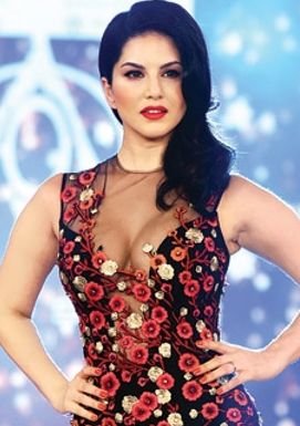 Sunny Leone back on the dance floor with Hot Number
