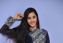 Simrat Kaur Photos