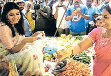 Samantha selling vegetables on Chennai road