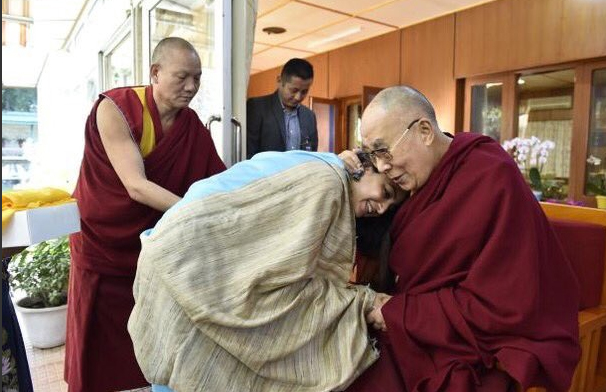 Poonam Kaur takes blessing of Dalai Lama