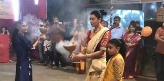 Sushmita Sen Dhunuchi Naach for Durga Puja, Not to Miss