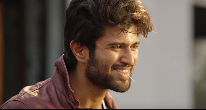 Vijay Devarakonda using unique trick for Taxiwaala promotion