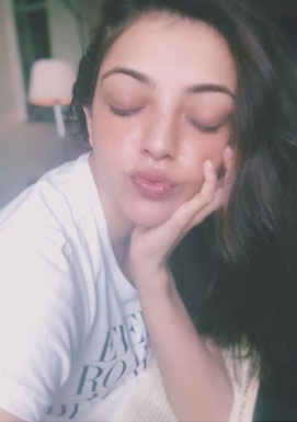 Kajal Aggarwal kiss to 9 million followers