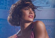 Seductive Queen Esha Gupta