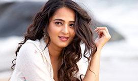 Anushka Shetty New Look giving shock