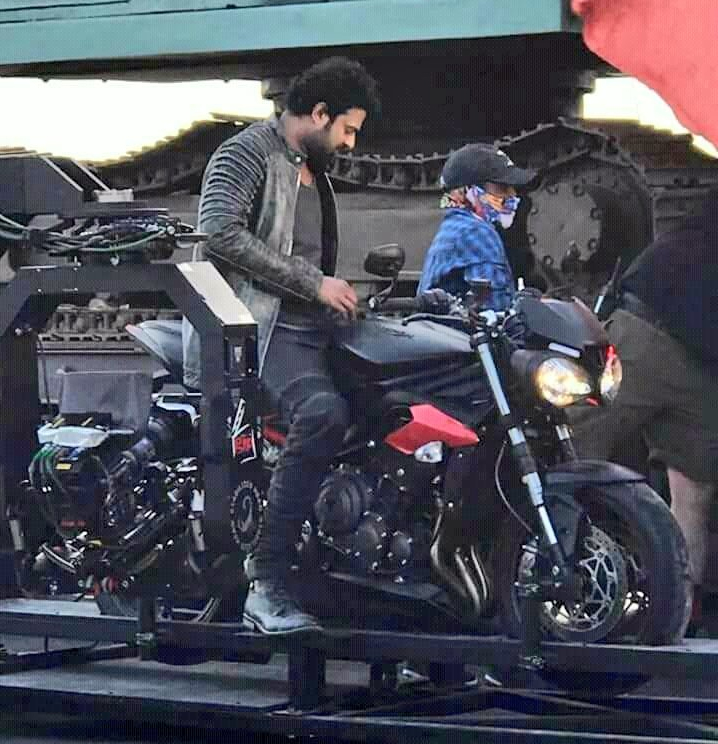 E Bike Reviews >> Prabhas wants to take bike and car to home used in Saaho