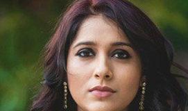 Rashmi Gautam car met with an accident
