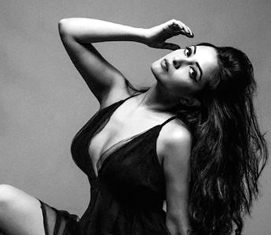 Riya Sen flashes hot figure