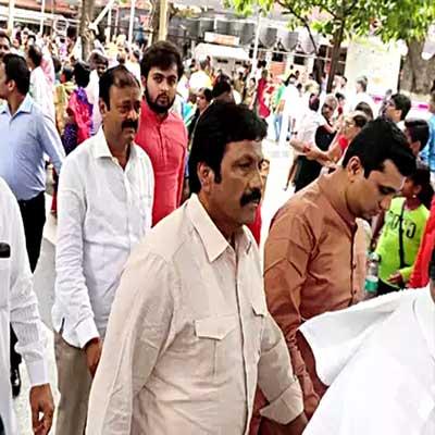 Karnataka state Congress chief hints rebel MLA's disqualification