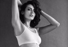 Mandana Karimi sensuous Body Show