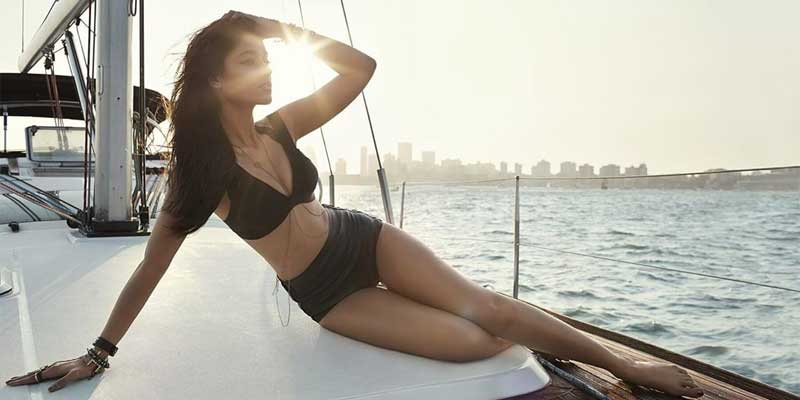 Ileana D Cruz showing curves in bikini