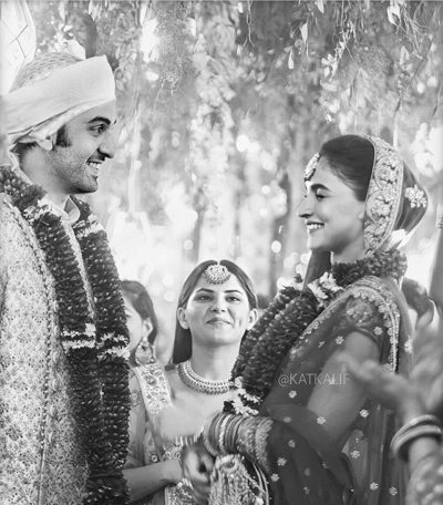 Alia Bhatt ties the knot! First Pic Out