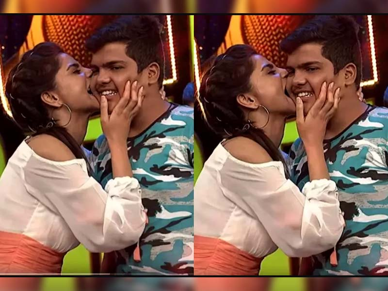 Anchor Varshini plants kiss to Audience