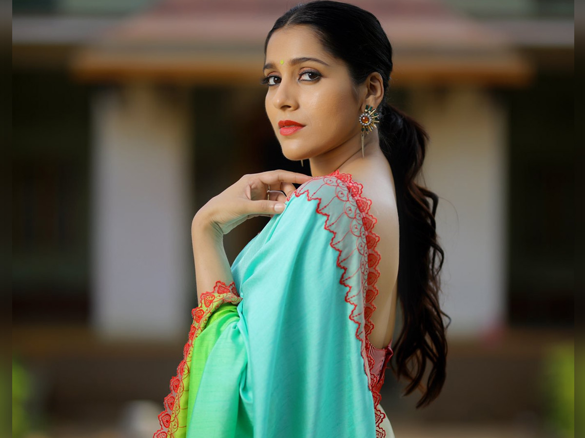 Rashmi Gautam gets key role in Balakrishna, Boyapati Srinu film