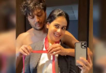 Riteish tying Red Tie Knot to Genelia Deshmukh