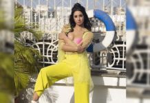 Sanjjanaa Galrani hits producer with beer bottle!