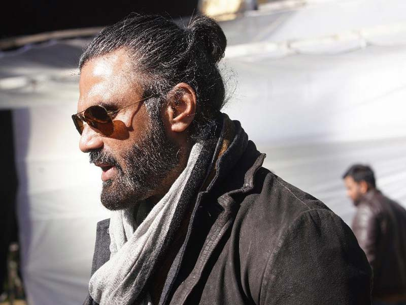 Suneil Shetty First Look From Darbar :Cool Suave Villain