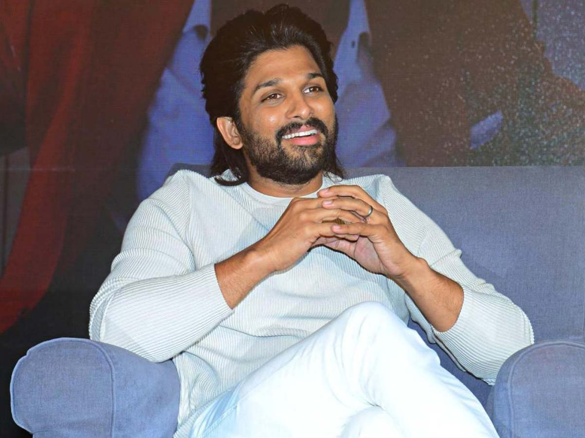 Allu Arjun lives up to his promise! Wears Rowdy Shirt