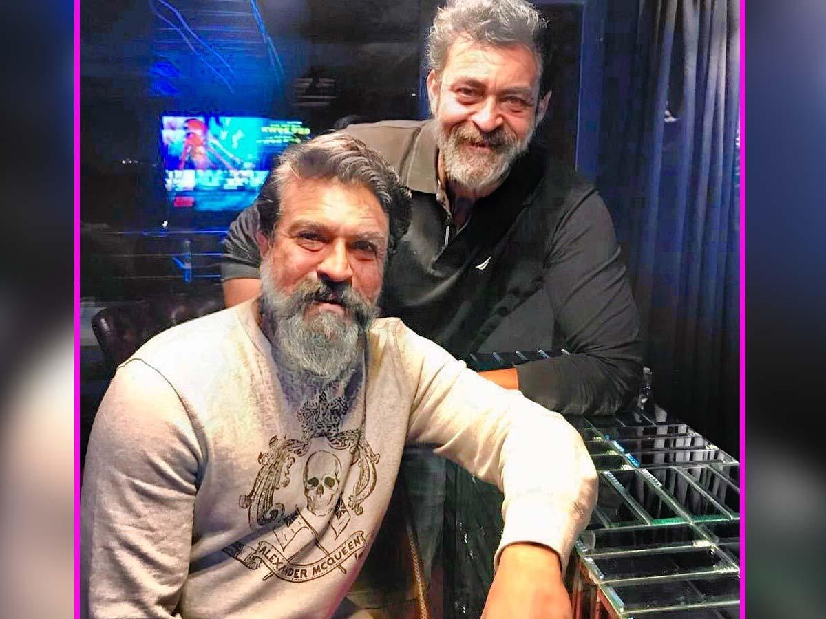 Ram Charan and Varun Tej old age looks