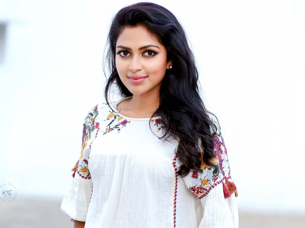 Amala Paul in  relationship with Bhavninder Singh?