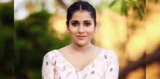 Rashmi Gautam sings #GoCoronaCoronaGo