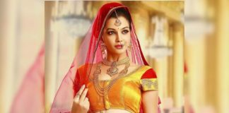 Diksha Panth enacting Samantha love proposal
