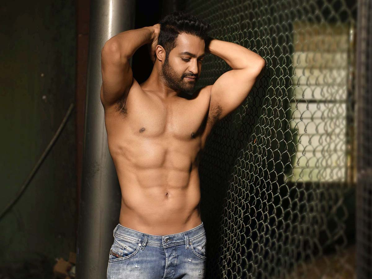 NTR's ripped look brings joy to fans
