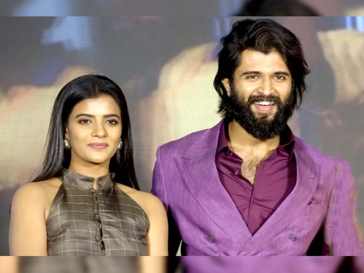 No one support Vijay Deverakonda actress