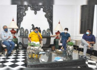 Tollywood Industry crucial meeting at Chiranjeevi home