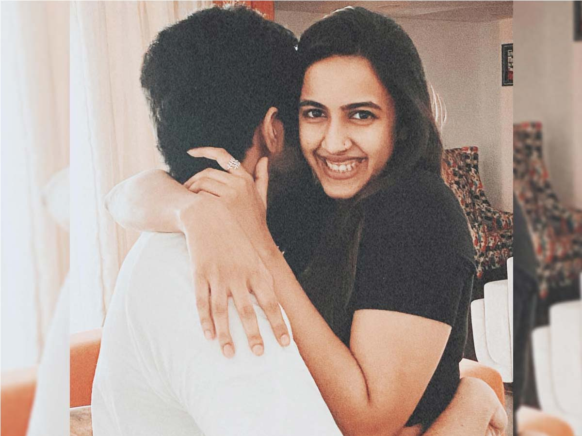 Niharika's peek-a-boo with her would-be!