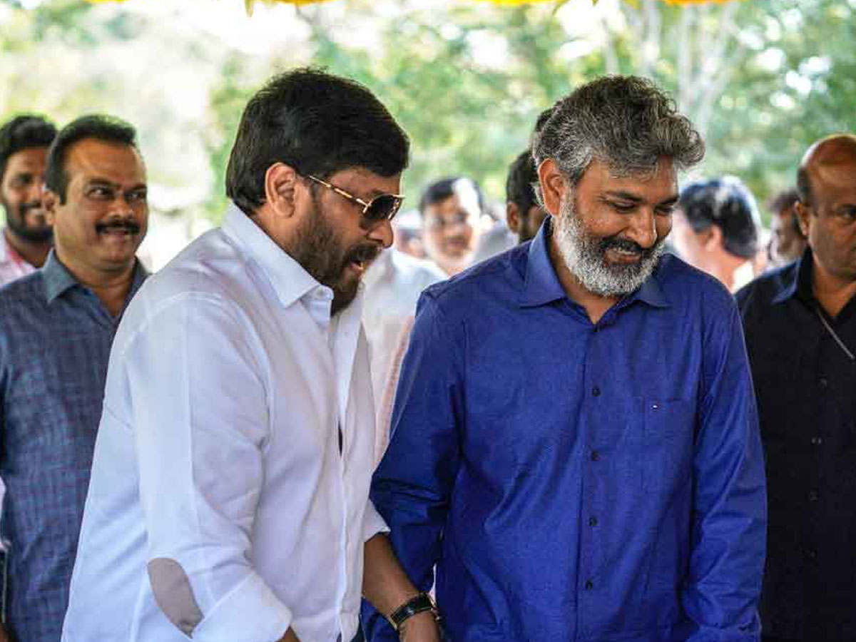 Rajamouli takes up Chiru request for RRR