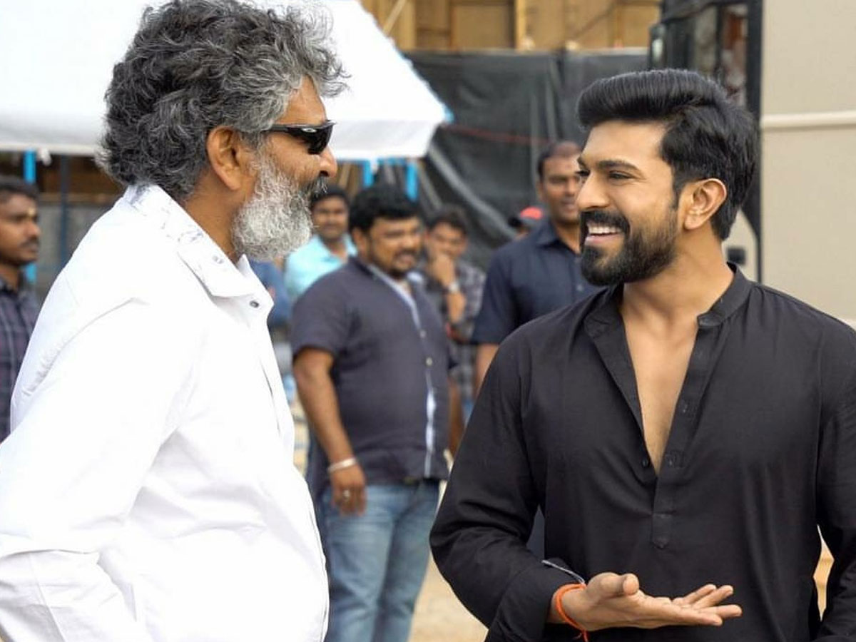 Wow, Rajamouli takes Right Decision at Right Time for Ram Charan