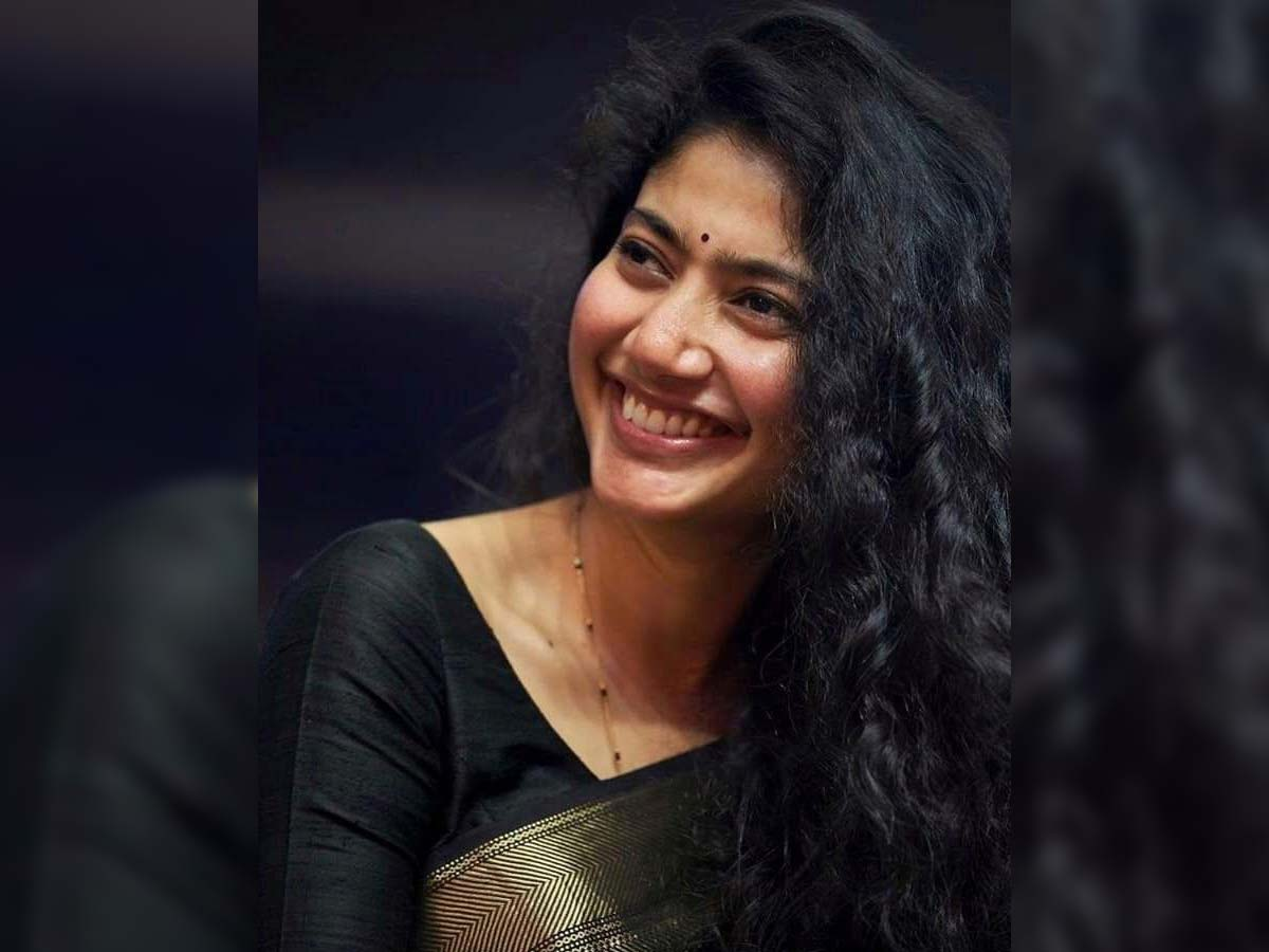 Sai Pallavi To Choreograph A Song For Her Love Story - Tollywood