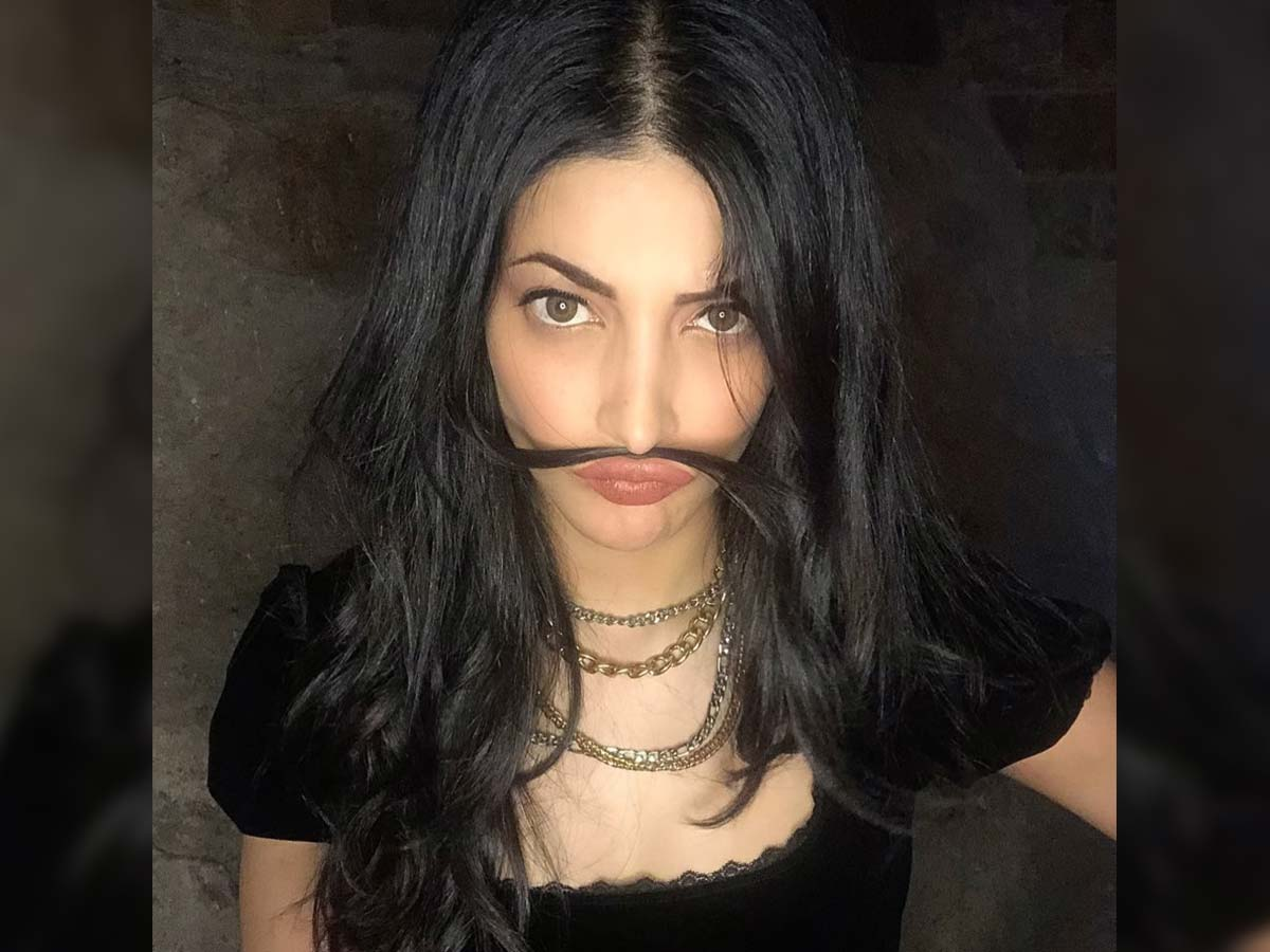 Shruti Haasan moustache hair strands