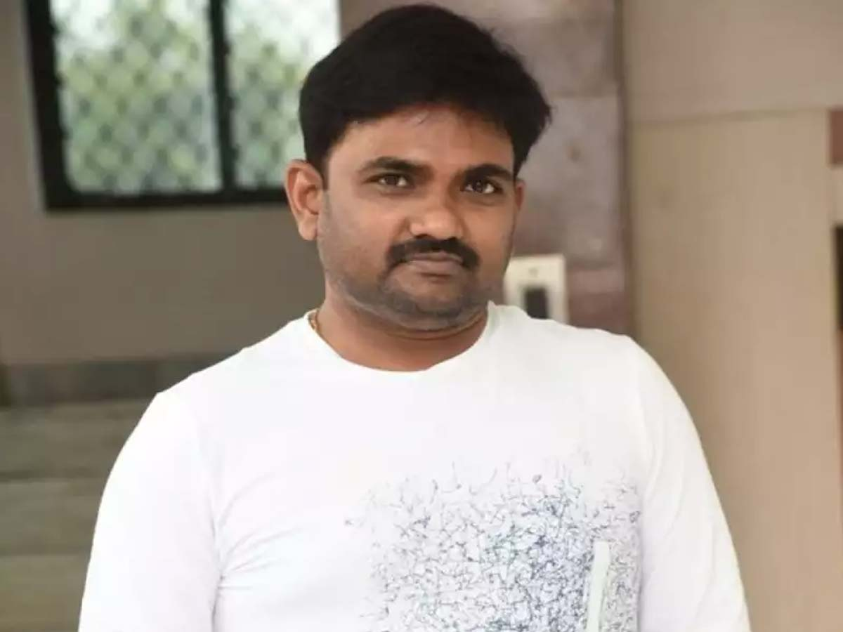Maruthi attempting adult comedy after a long time!